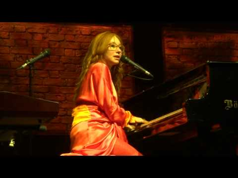 Tori Amos - Little Earthquakes - Vienna 2014 FULL HD