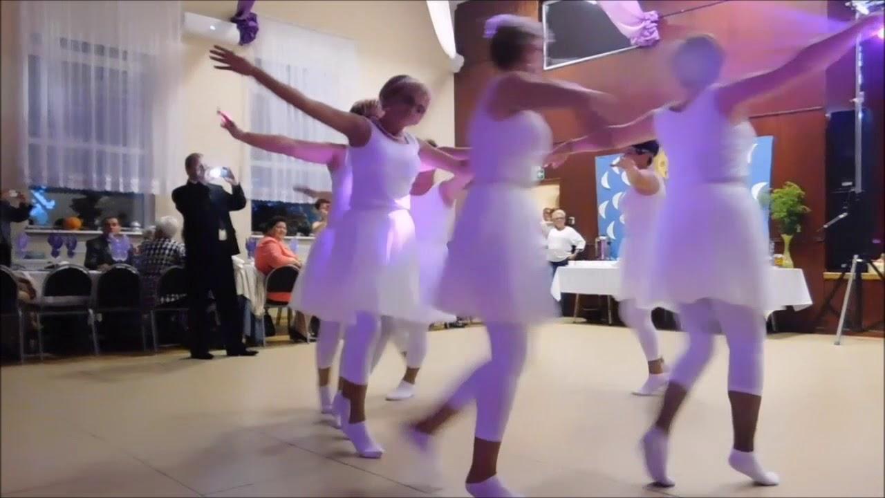 Baletnice z Koła Gospodyń Wiejskich w Górze [www.jarocinska.pl]