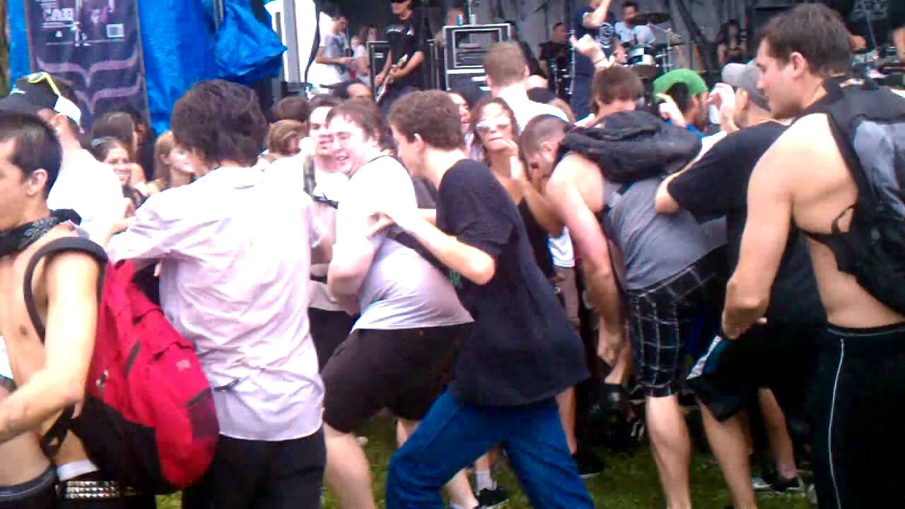 Warped Tour Penny Wise Mosh Pit - YouTube