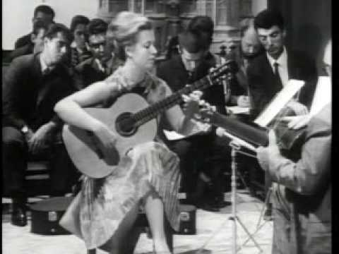 Andrés Segovia (Master Class 1965) with Brigitte Zaczeck (part 1)