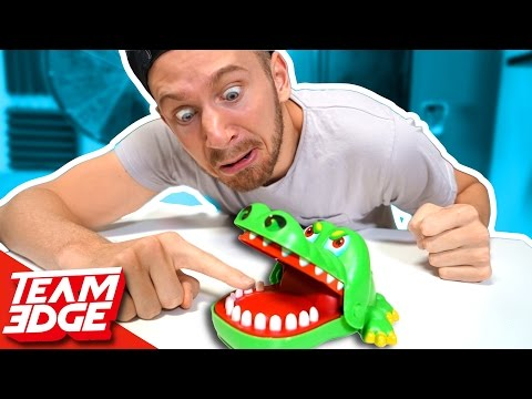 Crocodile Finger CHOMPER Game!!