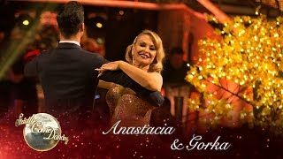 Anastacia and Gorka Marquez Quickstep to 'My Kind of Town' - Strictly 2016: Week 5
