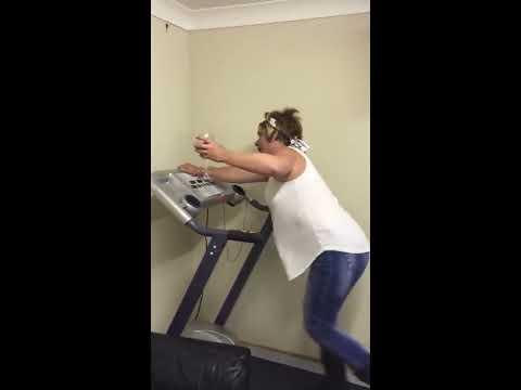 Viral Video UK: Wine + Treadmill = disaster