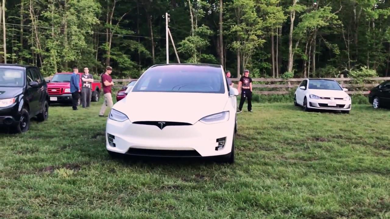 Tesla Model X Holiday Mode Easter Egg - YouTube