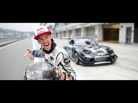 Formula Drift Japan Round 2: The Mad Mike Whiddett Supercut