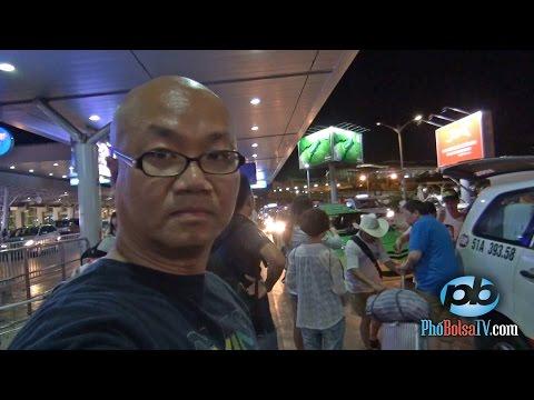 Vấn nạn đón xe taxi phản cảm ở sân bay Tân Sơn Nhất