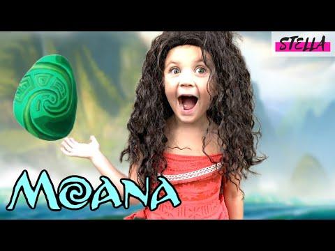 Stella Wears a Moana Costume!!!