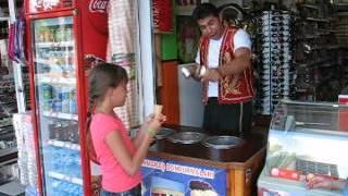Продажа мороженого в Турции прикол