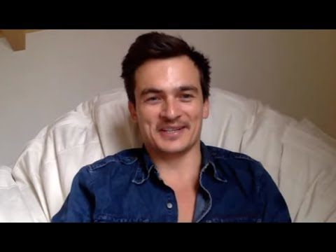 Rupert Friend 'Homeland' chats Peter Quinn's coming 'to rest in a darkness of his own making'