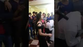 Цыганка поёт