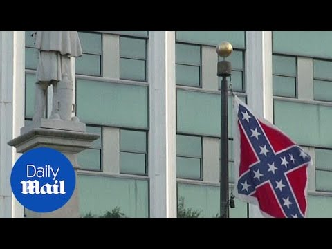 South Carolina Confederate flag heads to the relic room - Daily Mail