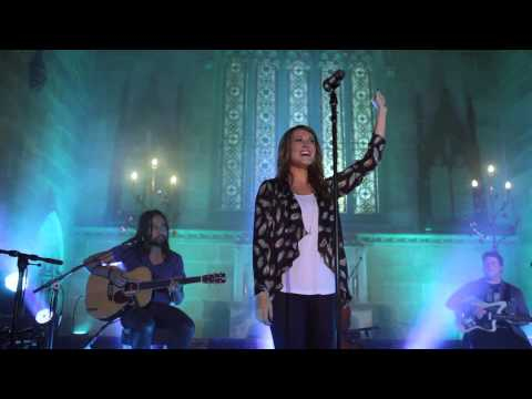 Hillsong Live CHAPEL - Forever Reign (Reinas Por La Eternidad) - Christian Music