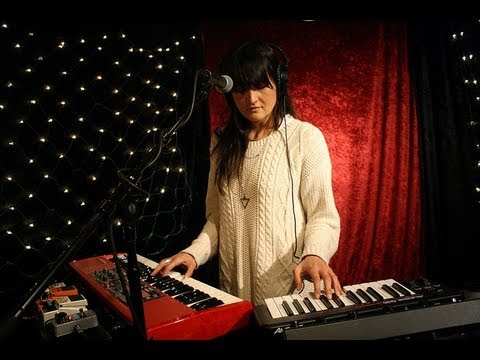 Moon Duo - Circles (Live on KEXP)