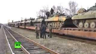 Украина перебрасывает тяжелую военную технику на границу с Россией thumbnail