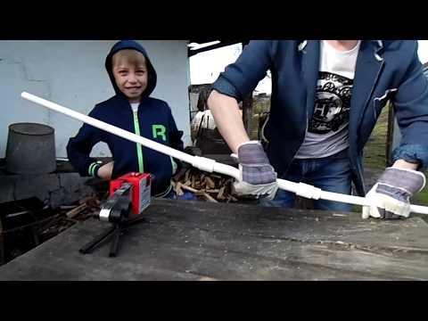 Как сделать простой лук из трубы ПВХ (видеоурок)