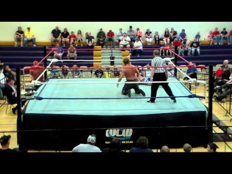 Kyle Roberts vs  Michael Magnuson