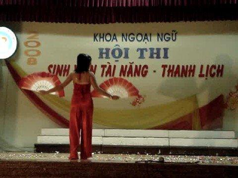 Múa quạt-nữ sinh đại học Hải Phòng