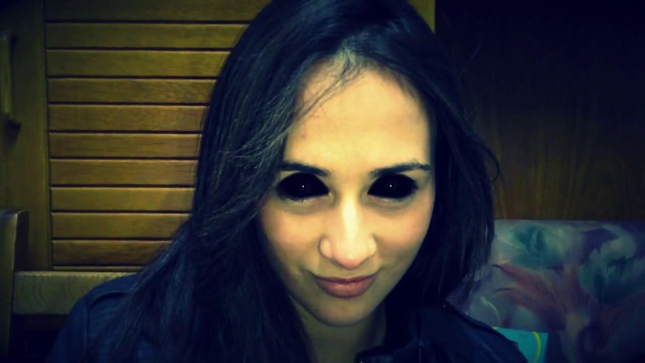 девушка с черными глазами видео