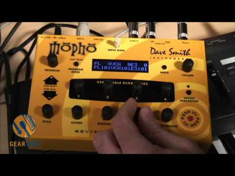 Dave Smith Instruments Mopho Demo: It's Insane, This Guy's Bass