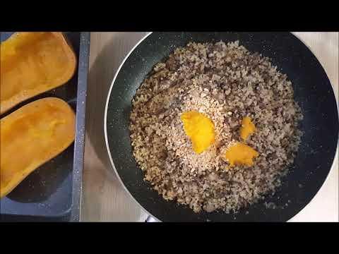 butternut-farcie-au-quinoa,-viande-hachée,-champignons-et-amandes