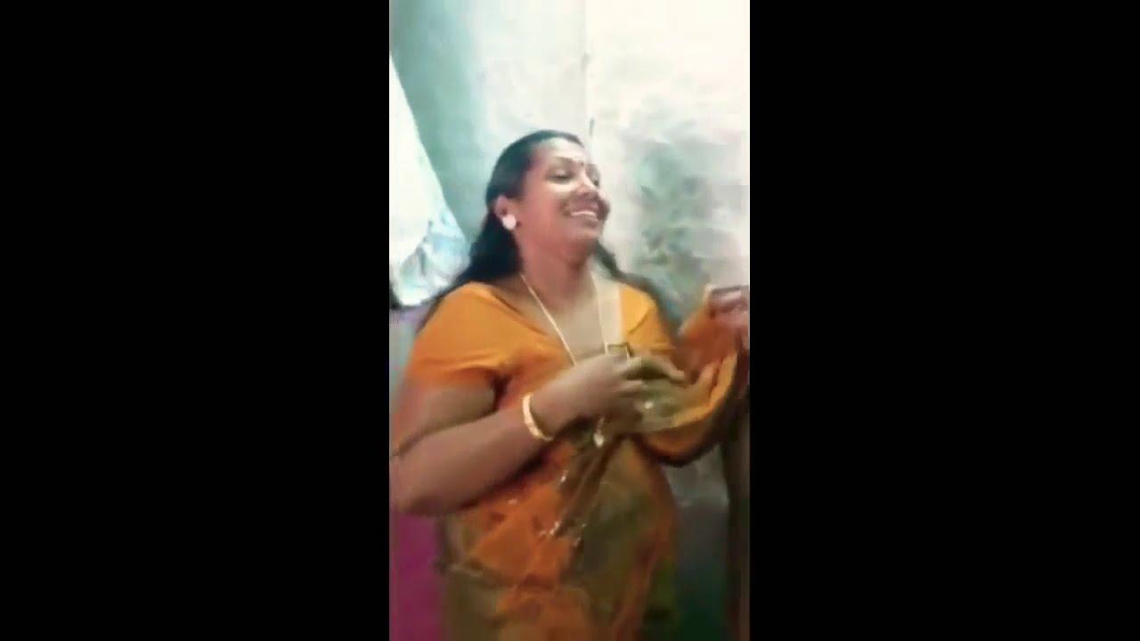 Bhabhi ne kapda utaar diya - Indian sexy mallu aunty