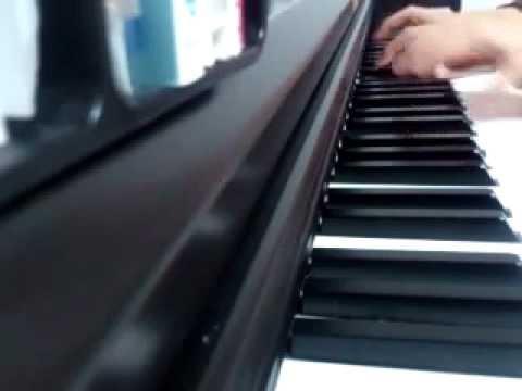 KissHug   AIKO   ピアノ
