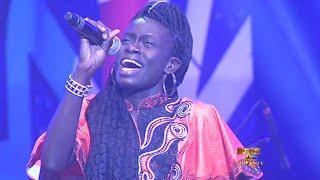 Deuxiéme prestation de Mame Diarra France Sen Ptit Gallé 2016 prime 7