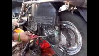 Honda Activa - How to open the Clutch