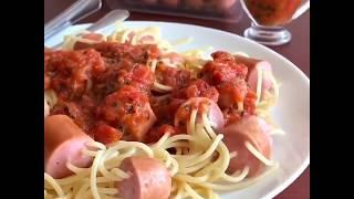 Спагетти с сосисками с томатным соусом