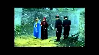 (sari gelin) мусульманин влюбился в русскую девушку(история идёт о том что мусульманин влюбился в (sari gelin)- (жёлтую невесту) тоесть в блондинку,мусульманин влюби..., 2013-10-15T01:47:42.000Z)