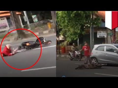Video viral bocah ngebut, jatuh lalu marah-marah sendiri - TomoNews