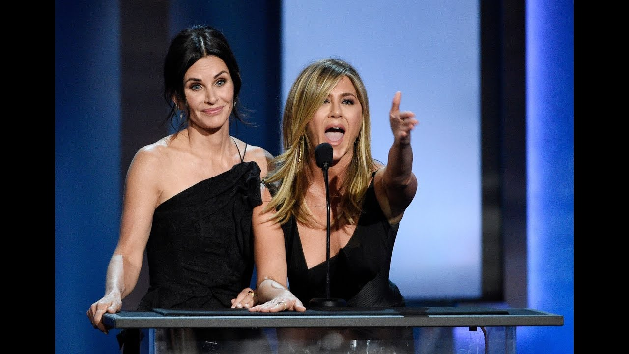 Jennifer Aniston And Courteney Cox Look Like Sisters In Birthday ...