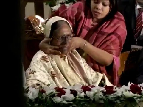 Funny Vedio of Bangladeshi Politician Sahara Khatun.