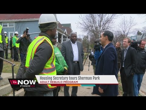 Download Youtube: Housing Secretary tours Sherman Park neighborhood