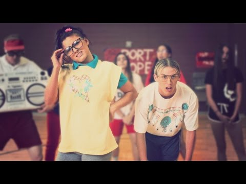 HIGH SCHOOL DANCE BATTLE - GEEKS VS JOCKS! // ScottDW - Out My Mind