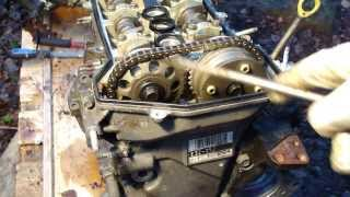 How to disassemble engine VVTi Toyota Part 11/31: Top center adjusting timing chain