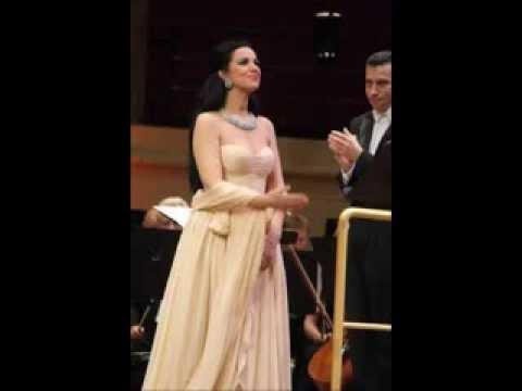 Angela Gheorghiu as Aida: act III aria & act IV duets