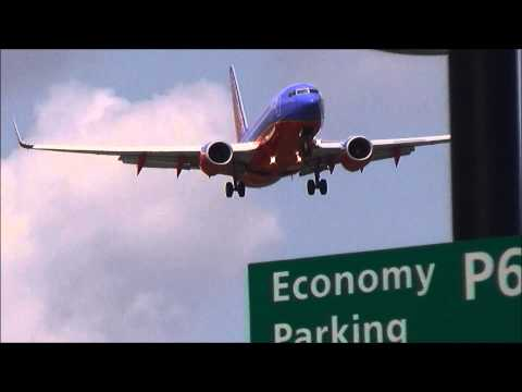 Southwest Airlines Boeing 737-700 Landing - Newark Liberty International Airport - EWR PlaneSpotting thumbnail