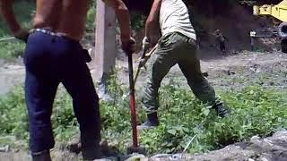 Демонтаж бетонной опоры голыми руками Видео 49