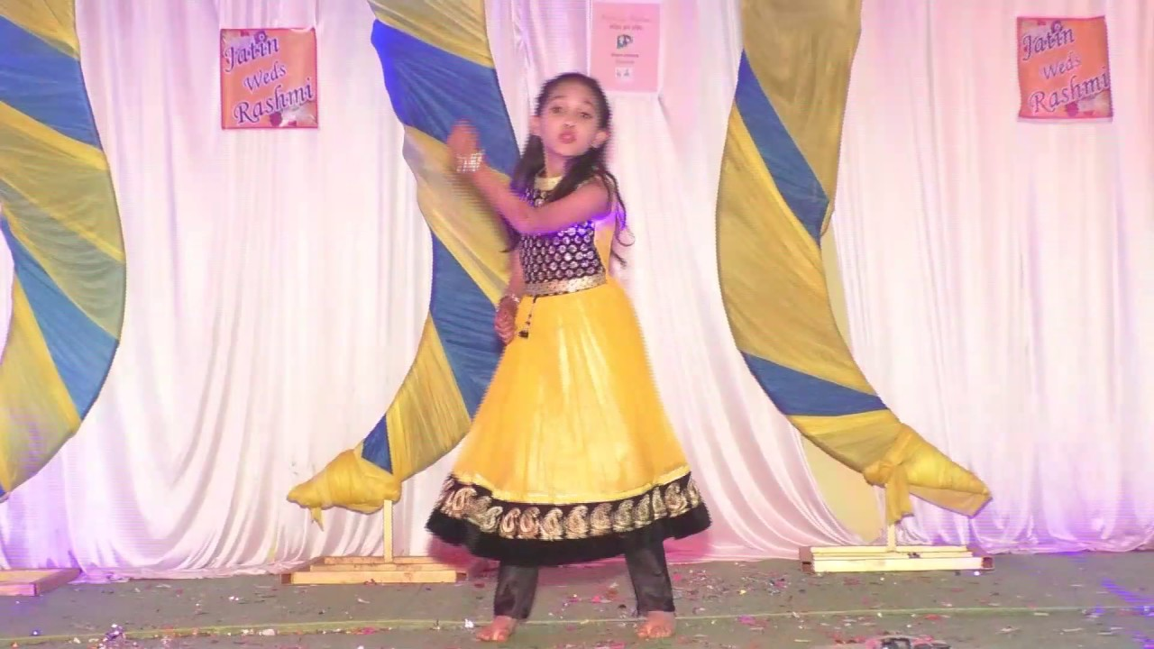 Sangeet Dance Performance By Kid On Bollywood Songs 2017 Bollyshake The track is super fun, has beats that will make you sway and get all your punjabi this punjabi wedding song is from the movie 'monsoon weddings', and fits just right for a group performance with your bffs and your partner! bollyshake
