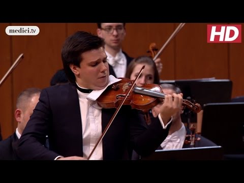 Sergey Dogadin - Violin Concerto No. 2 - Mozart: MPHIL 360°