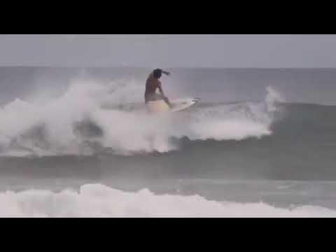 Beach Break Bagus / Mega Artana