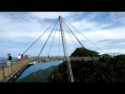 TROPICAL ISLAND LANGKAWI MALAYSIA SKY BRIDGE CABLE CAR CAB
