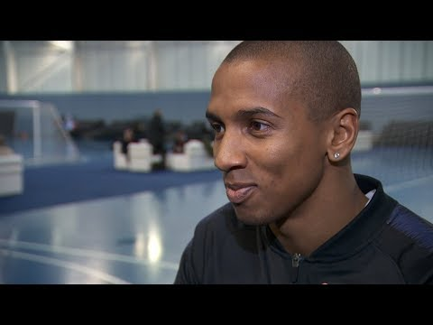 Manchester United's Ashley Young hails 'fantastic' Jose Mourinho amid criticism | ITV News