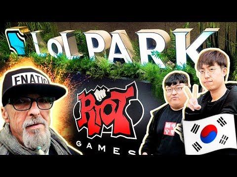 VISITAMOS 'LOL PARK' en KOREA y MI PADRE RETA A UN CHINO A UN 1VS1 (Día 2)