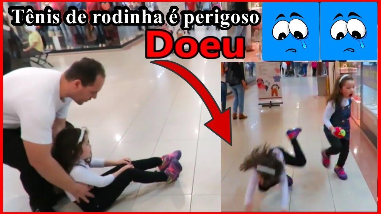 91b0c5b7f CAÍ FEIO COM TÊNIS DE RODINHA E MACHUQUEI O JOELHO - YouTube