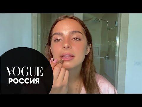 Блогер Эдисон Рае показывает, как сделать сияющий макияж с искусственными веснушками
