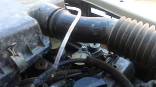 раскоксовка водой с подачей воды в сапун Движение воды при заведённом двигателе