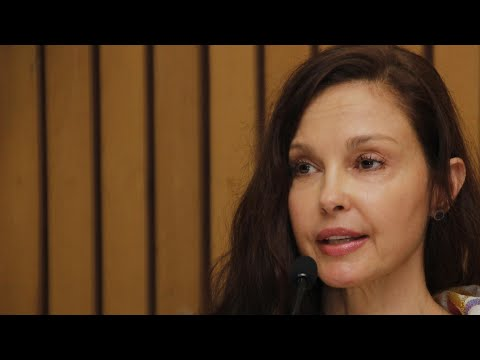 Ashley Judd says a 'deal' helped her flee from Harvey Weinstein