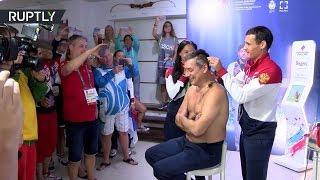 Российские спортсмены обрили наголо тренера сборной России по фехтованию